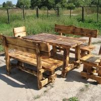 Столь и стулья для загородного дома