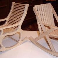 Кресла из белого дерева