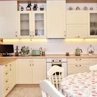 Кухня в деревенском стиле (ЛДСП)